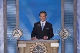 David Miscavige, Président du conseil d'administration du Religious Technology Center et chef ecclésiastique de la Scientologie, a présidé l'inauguration de la nouvelle Église de Scientologie et Celebrity Centre de Las Vegas.