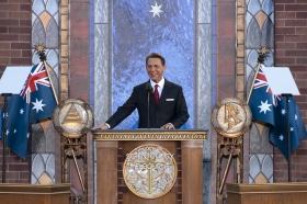 David Miscavige, Président du conseil d'administration du Religious Technology Center et chef ecclésiastique de la religion de Scientologie, a inauguré la nouvelle Église de Scientologie de Melbourne.